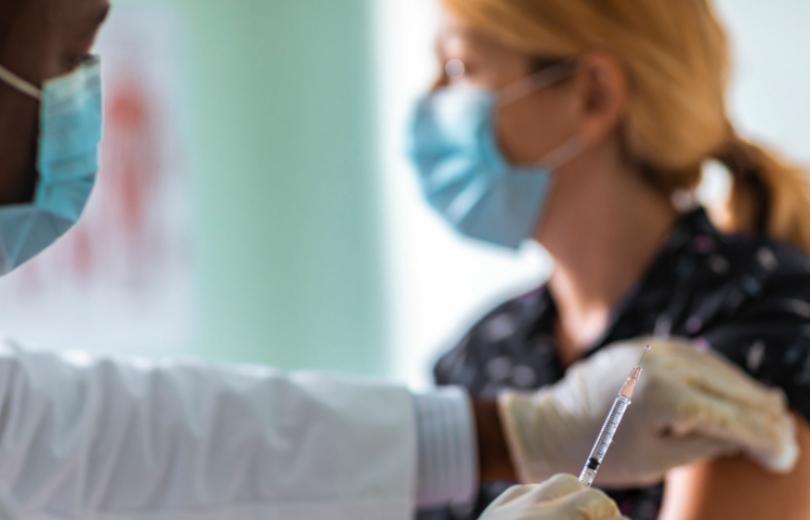 كيف تحسم موقفك من اللقاح؟