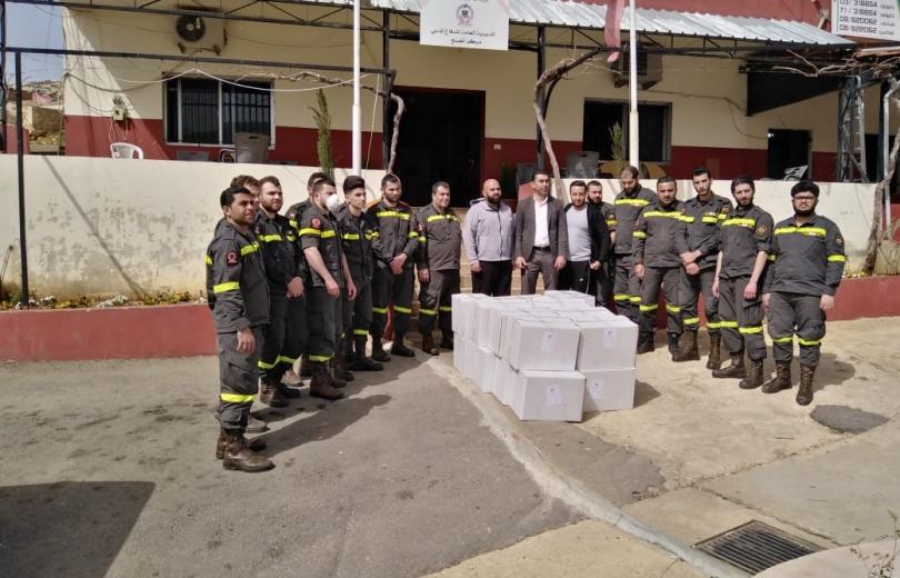 جمعية النبيل تواصل عملها الاغاثي وتقديمات الى مركز الدفاع المدني في المصنع