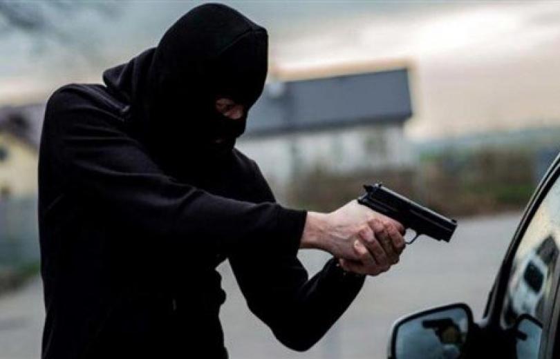 الرأس المُدبّر لإحدى أخطر عصابات سرقة السيّارات في قبضة شعبة المعلومات.