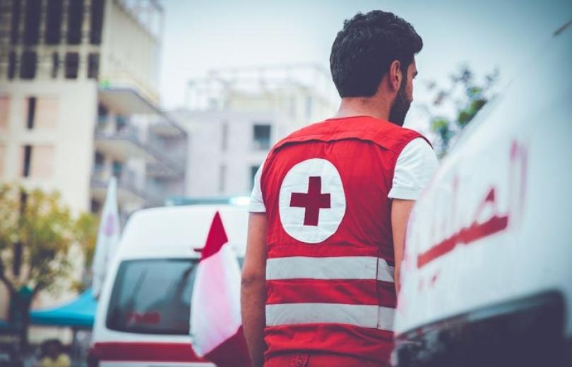 """الصليب الأحمر لا يهاب الأزمات… """"مسافة الطريق"""""""