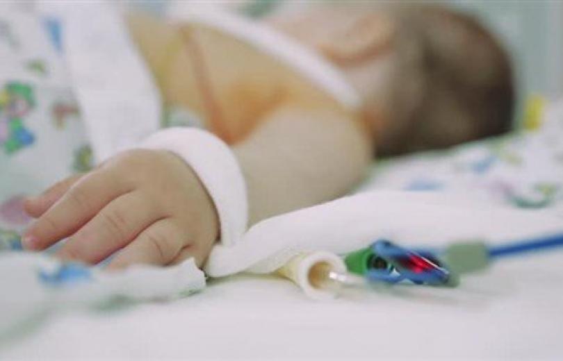 ماذا نقول لأمّ الطفل الذي قد يموت؟