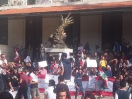 الطلاب لليوم الثاني في حراكهم الثوري