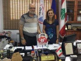 بوشكيان يقدم جهاز AED الى بلدية عنجر