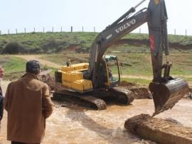 بلدية علي النهري توسع وتعمق المجاري النهرية