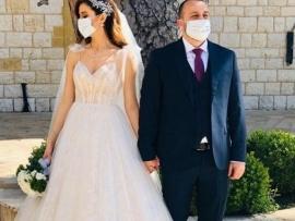 بالصور: عرس لبناني في زمن كورونا... والكمامة جزء من الصورة