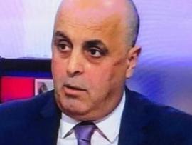 أبو فيصل مغردا  : صناعي عاقل يسأل وإدارة أزمة غبية تجاوب