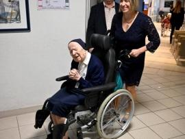 """عمرها 117 عاما تتعافى من """"كورونا"""""""