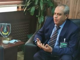 القاضي بركات يتفقد عملية سحب مخزون البنزين من خزانات الصقر